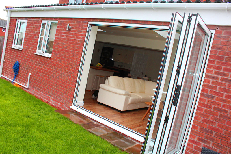 aluminium doors to rear extension in halifax
